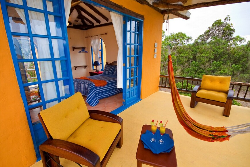 Double Bedded Room Balcony_Mantaraya Lodge