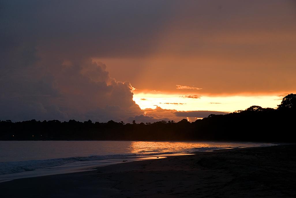 Almendros Corales Beach
