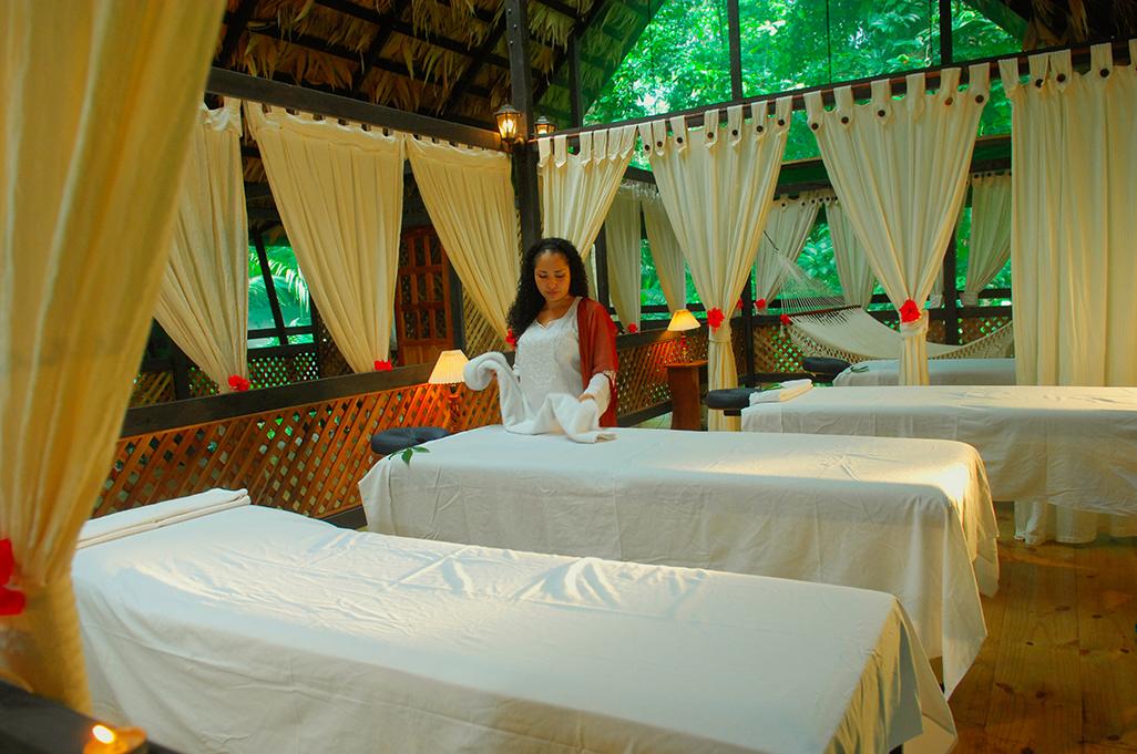 Almendros Corales Massage