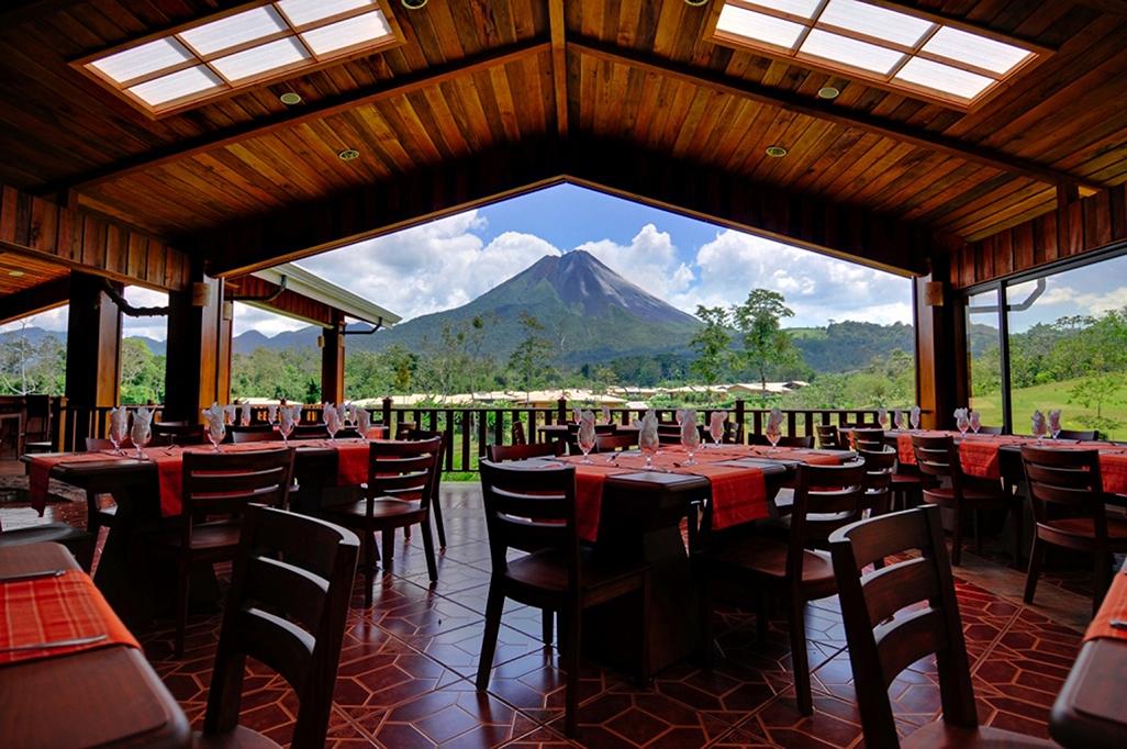 Arenal Manoa Restaurant