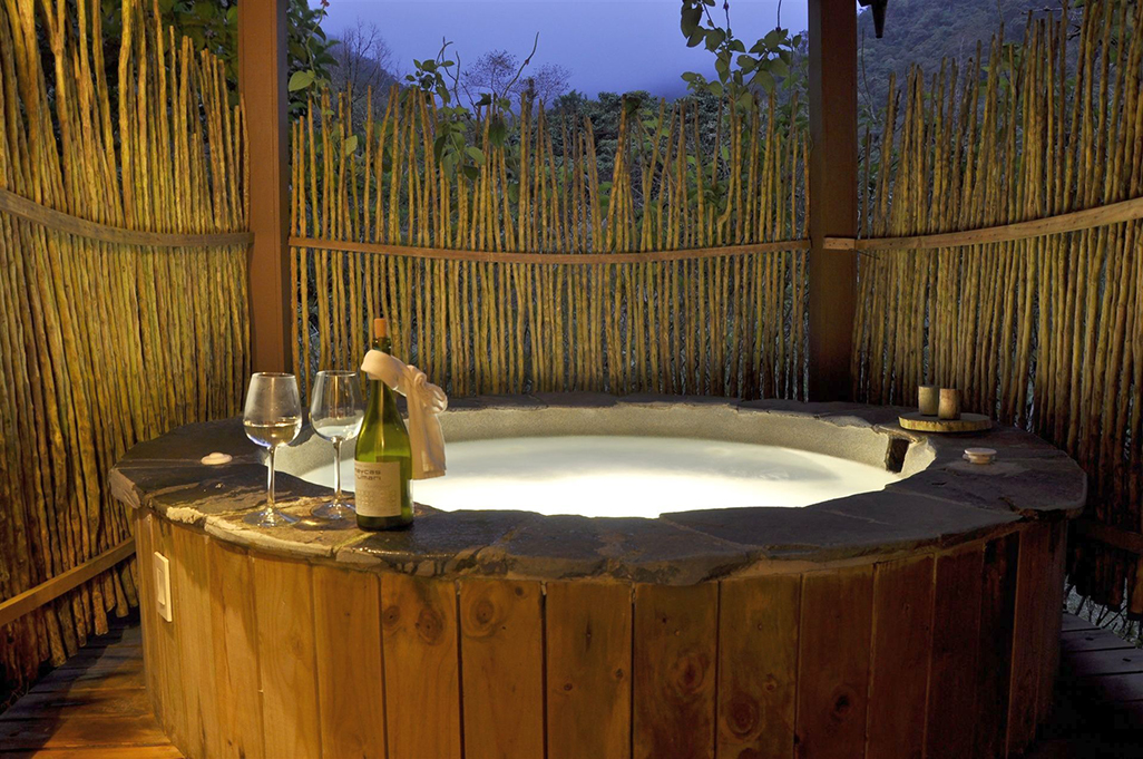 El Silencio Lodge Suite Jacuzzi