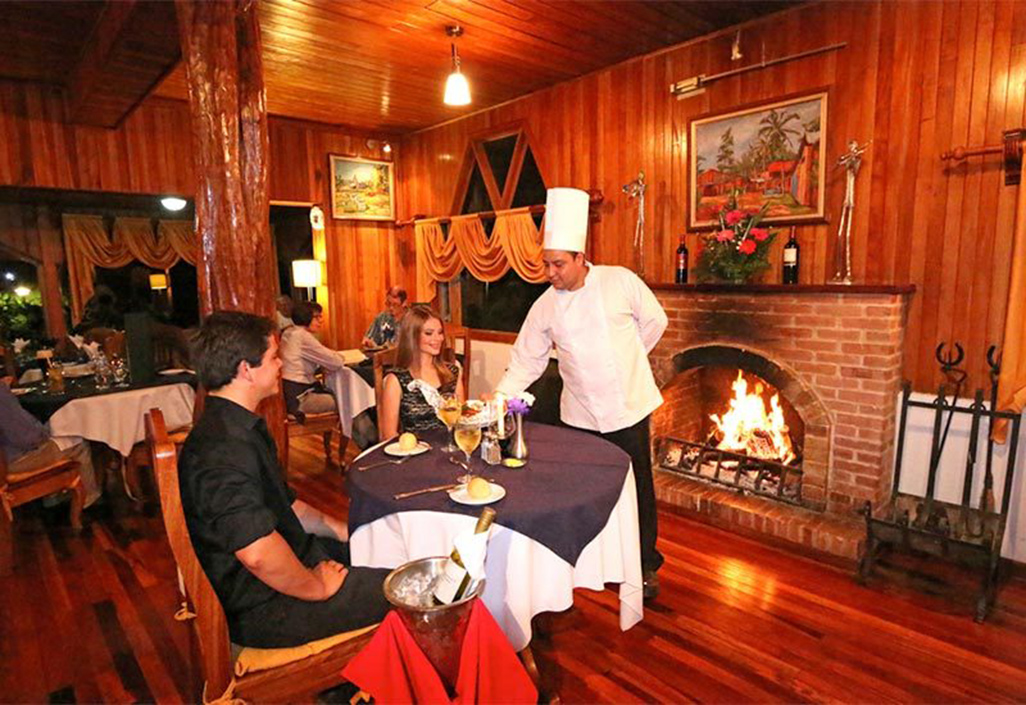 Fonda Vela Restaurant