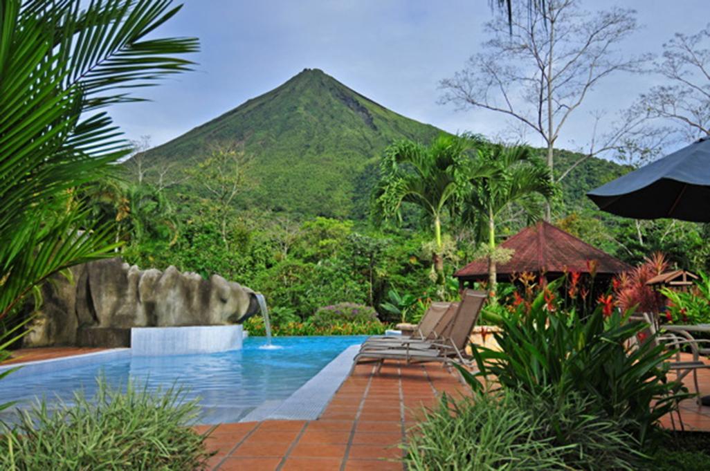 Lomas Del Volcan Pool