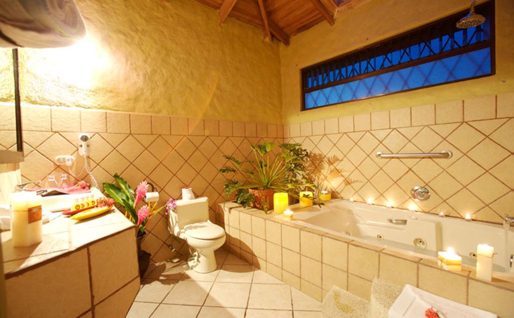 Arenal Volcano Inn Suite Bathroom