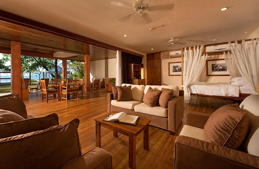 Capitan Suizo Beachfront Suite