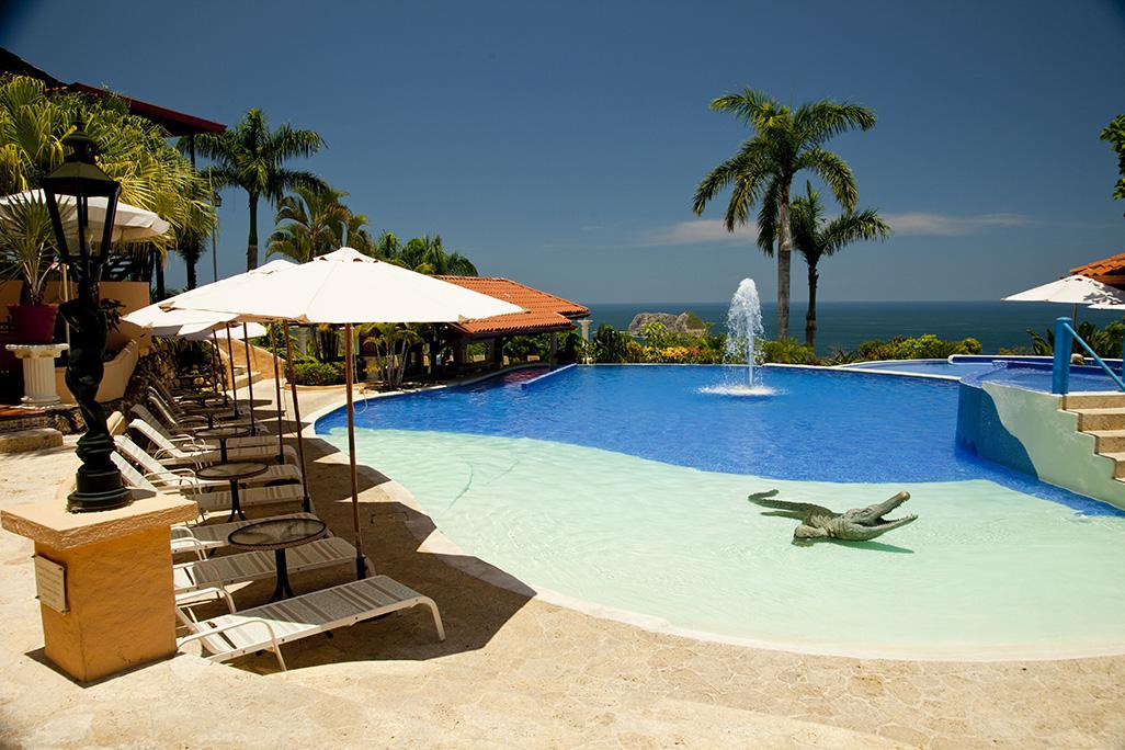 Parador Pool